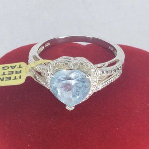 NWT Lovely Sterling Silver Aquamarine Heart Ring